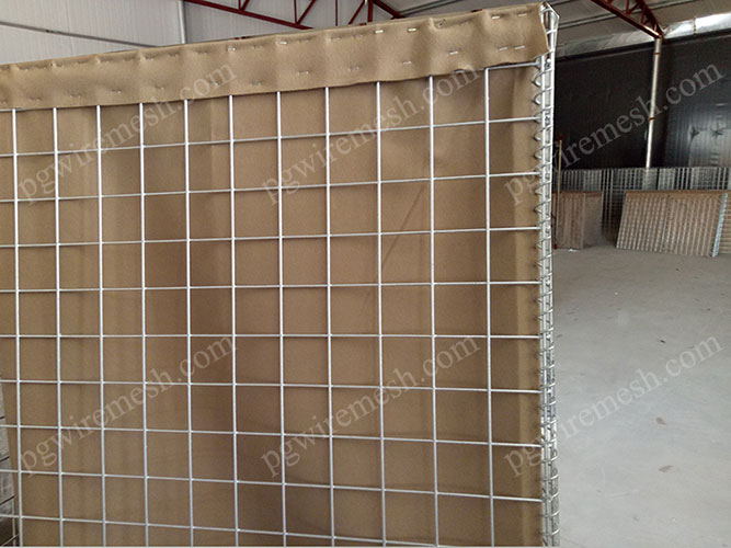 Galfan or Hot Dipped Galvanized Defensive Barrier for Perimeter Security